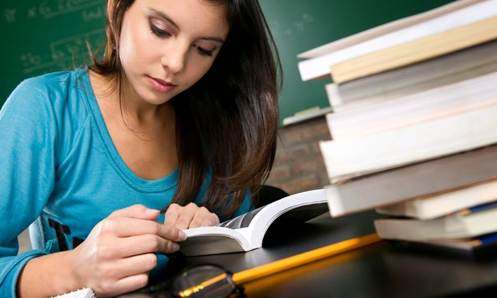 Things To Consider When Hiring An Essay Writing Service