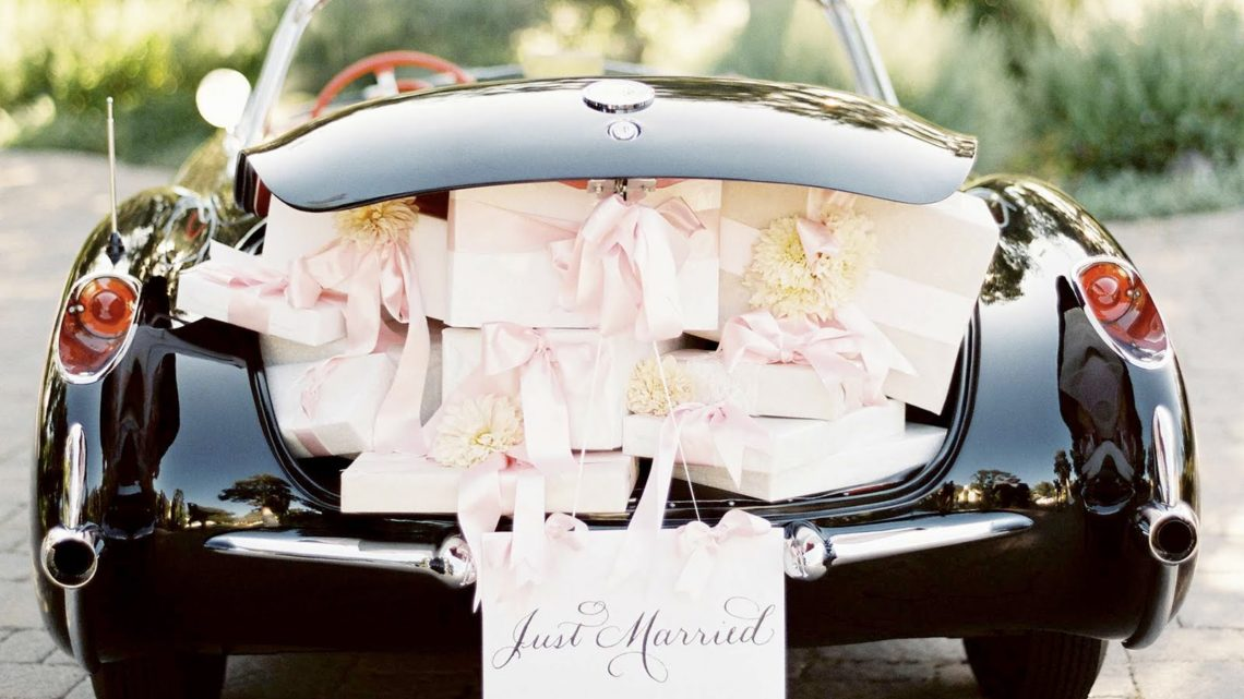 Guide to renting a car for your wedding
