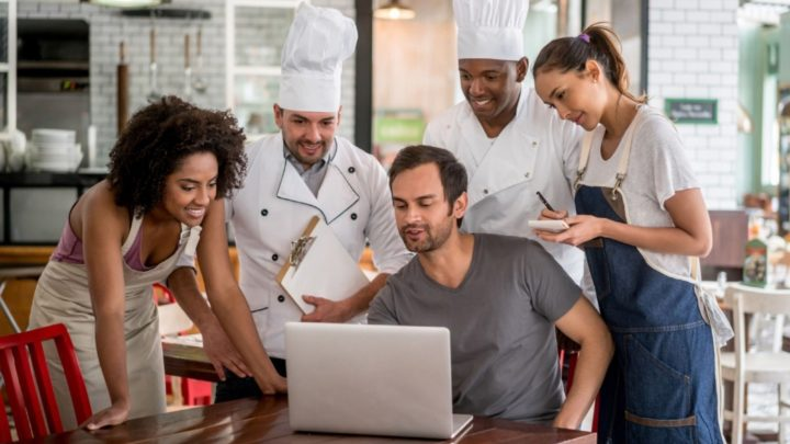 4 Reasons Your Restaurant Staff Will Love Employee Scheduling Software