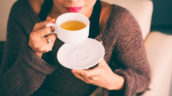 6 Best Teas To Soothe Cold & Flu Symptoms – 2020 Guide