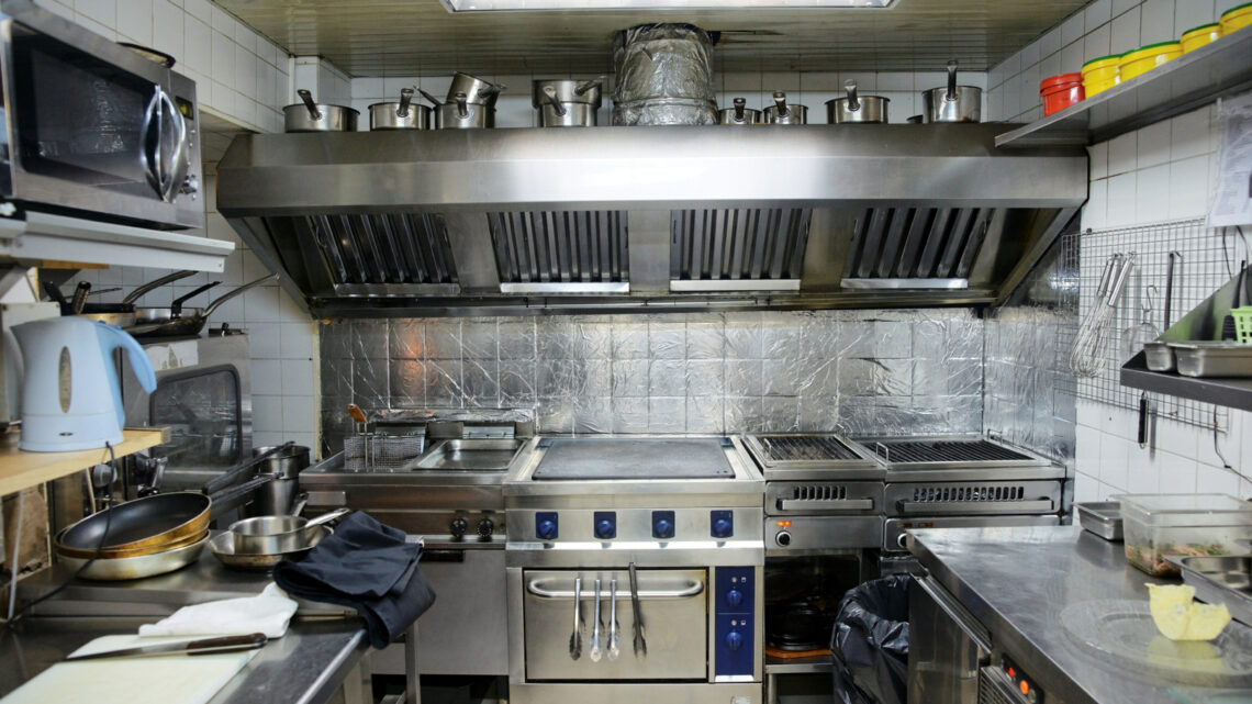 5 Restaurant Vent Hood Cleaning Tips For Beginners – 2021 Guide
