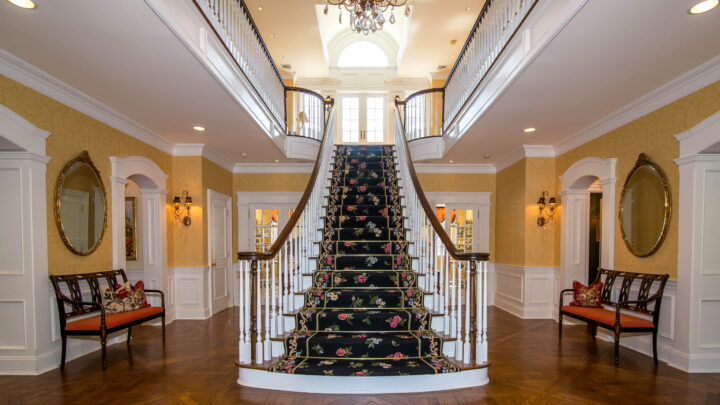 How To Upgrade Your Luxury Home Foyer